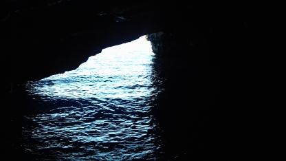 Grotta delle Rondinelle, al suo interno